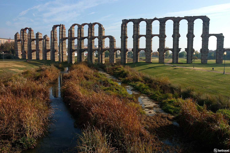 De las huellas de los romanos a las de los peregrinos: La Vía de la Plata - Mérida