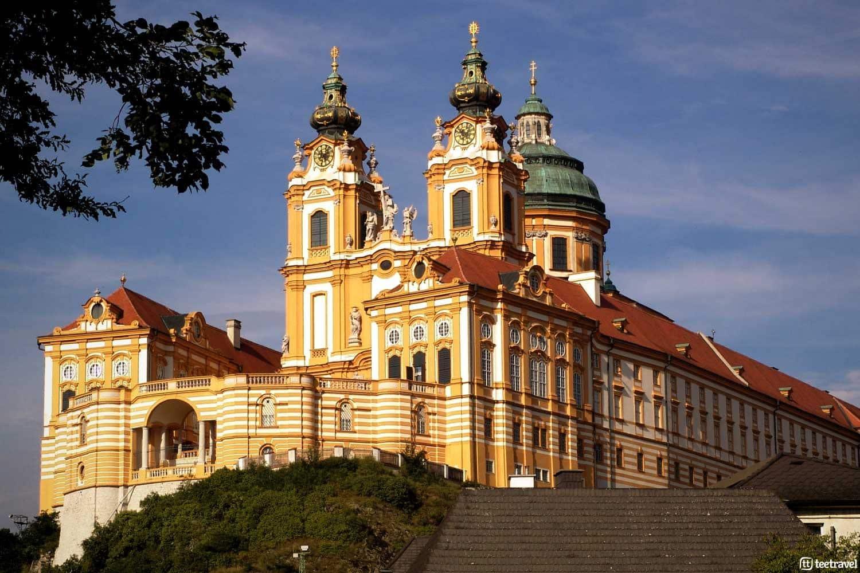 Abadía de Melk: un monumento barroco en el Valle del Danubio