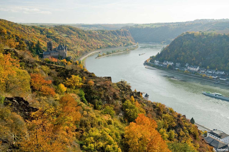 Rhein in Flammen, el mayor espectáculo pirotécnico estival en Europa - Viñedos y Castillo