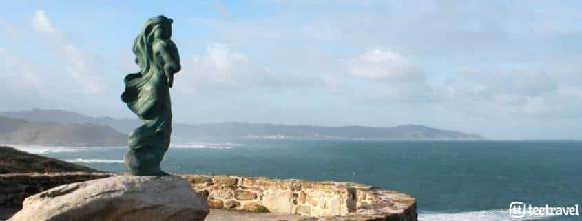 Camiño dos Faros, escultura A Espera en Laxe