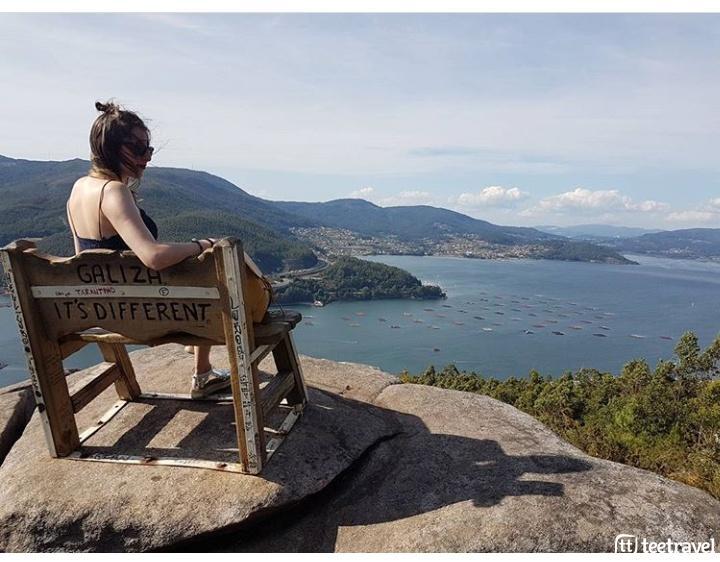 Planes de ocio para este verano en Galicia- Banco con vistas a la Ría de Vigo