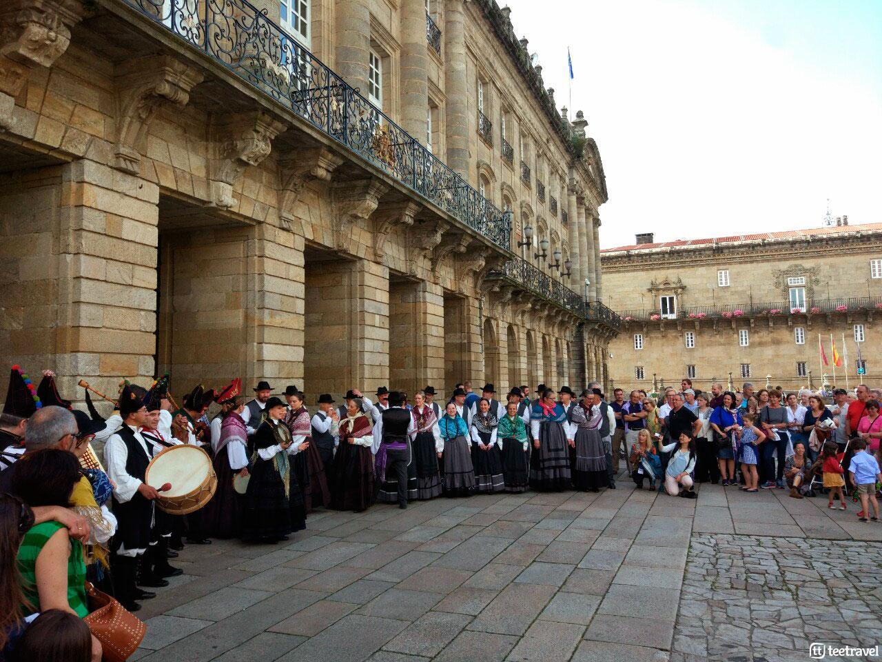 Fiestas del Apóstol: actuación de Música y Baile tradicional en la Praza do Obradoiro