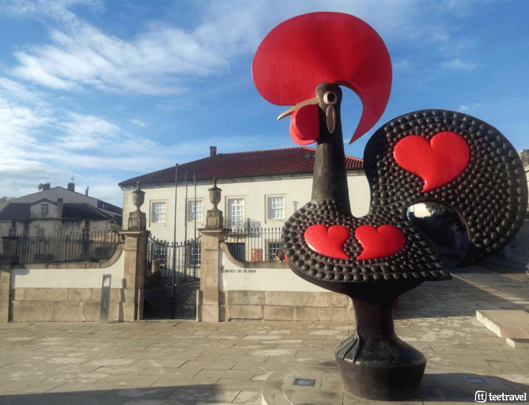 10 cosas que no puedes perderte en el Camino Portugués - Gallo de Barcelos en Barcelos, Portugal