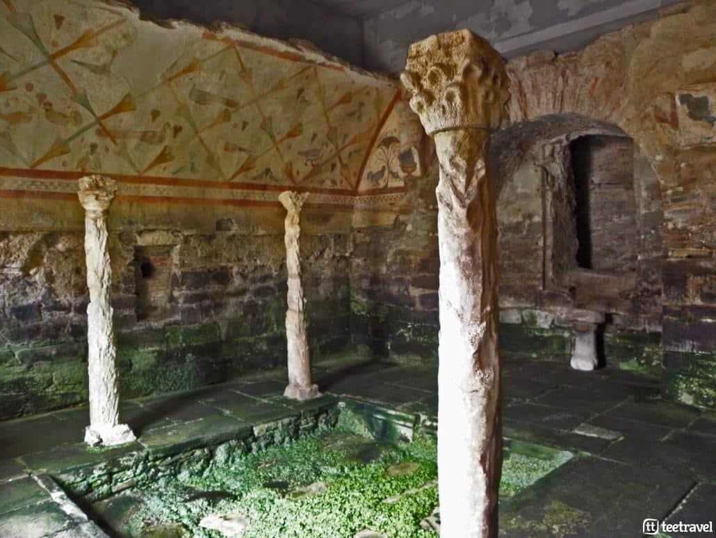 Que hacer en el Camino Primitivo : visitar un templo del S.II