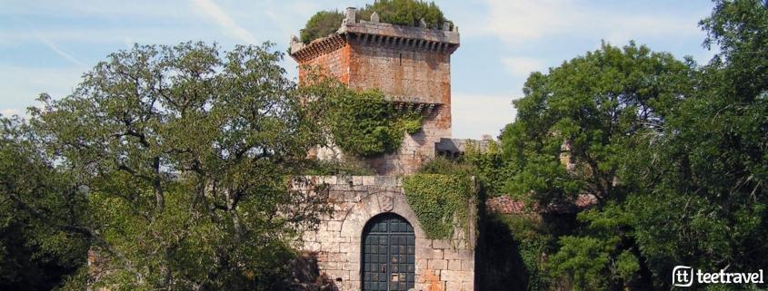 5 monumentos en el Camino - Castillo de Pambre