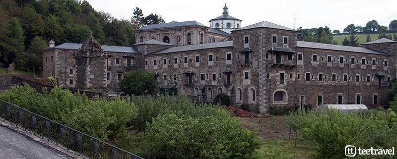 5 monumentos en el Camino - Monasterio de Samos