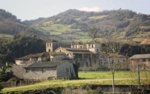 Camino-Primitivo-Monasterio-Cornellana-Salas