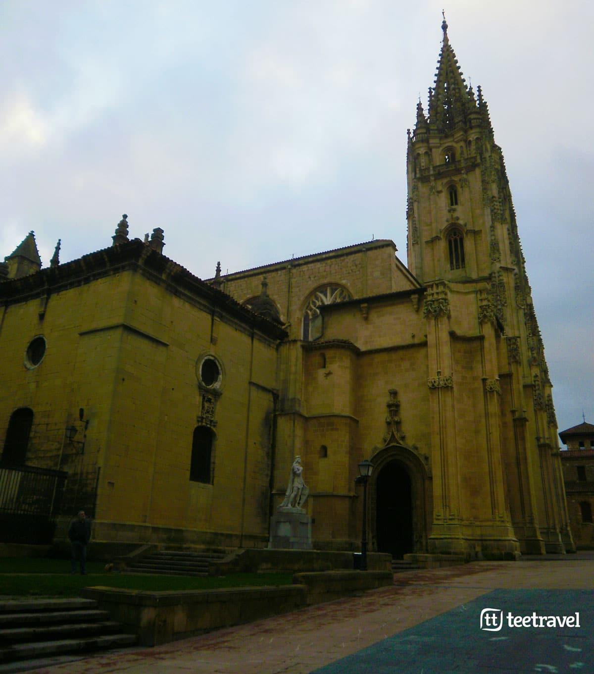 Camino Primitivo - Santa Iglesia Basílica Catedral Metropolitana de San Salvador de Oviedo