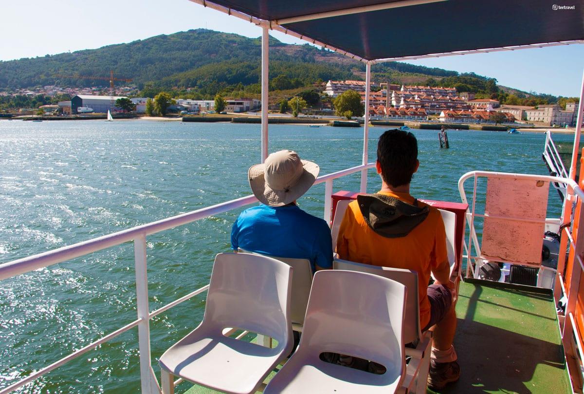 Camino Portugués por la Costa - Cruzando en Ferry el río Miño de Caminha a A Guarda