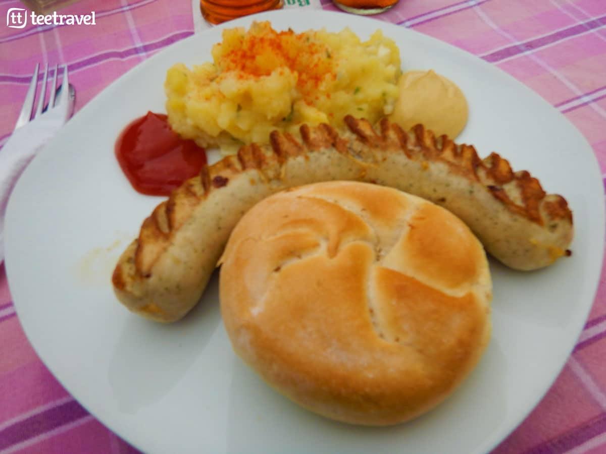 Ruta del Danubio en bici - Bratwurst un de los platos típicos