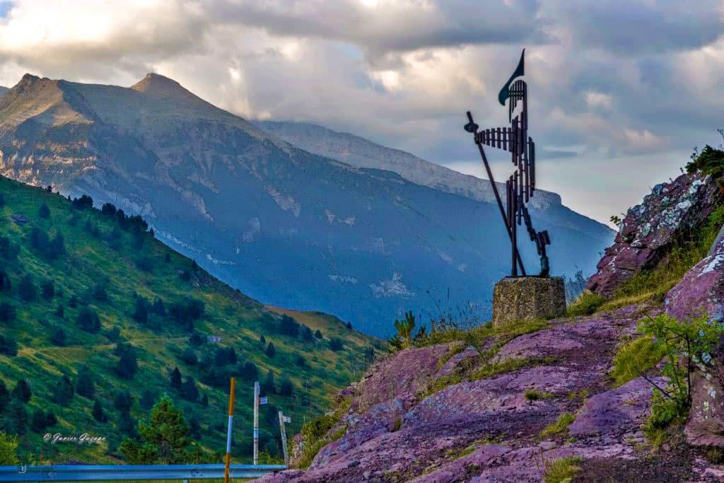 Camino de Santiago Aragonés - Alto de Somport - Monumento al Peregrino