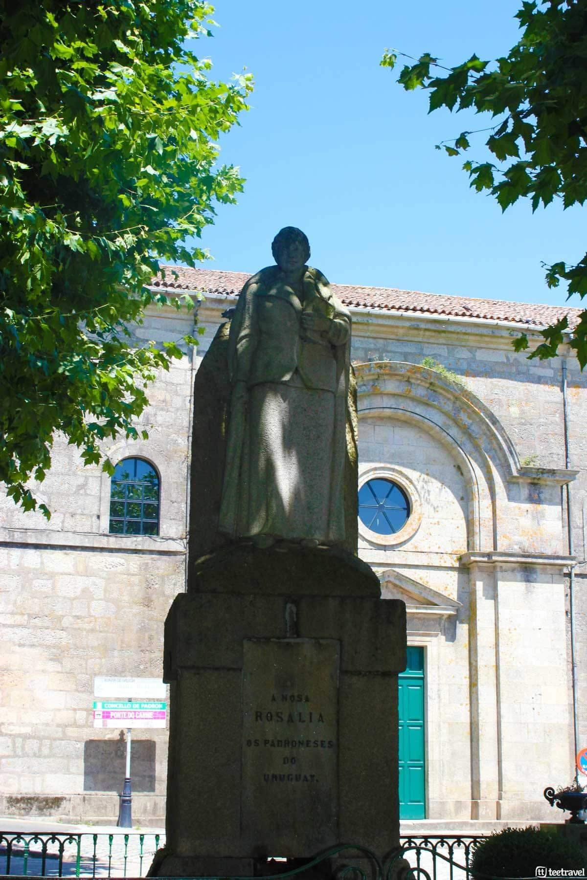 Monumento a Rosalía de Castro en Padrón - Camino Portugués