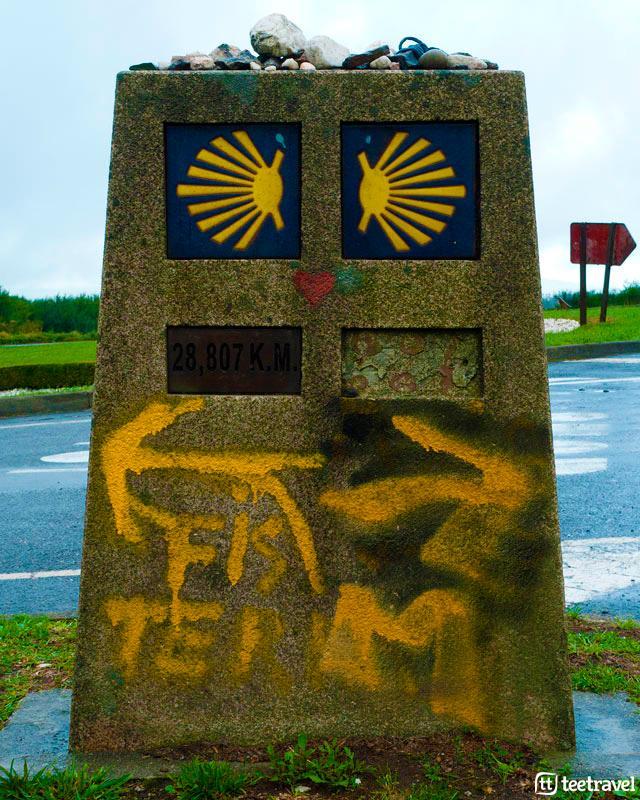 Mojón en el Camino de Santiago - Santiago de Compostela-Muxía