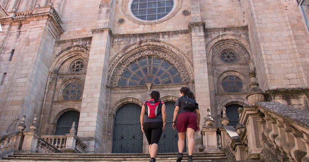La Vía De La Plata A Pie De Ourense A Santiago Tee Travel