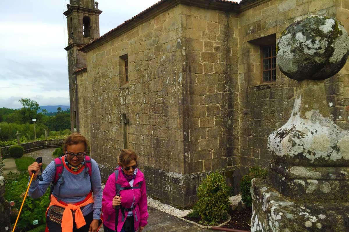 Camino Portugués por la Costa - Valga - Iglesia de San Miguel