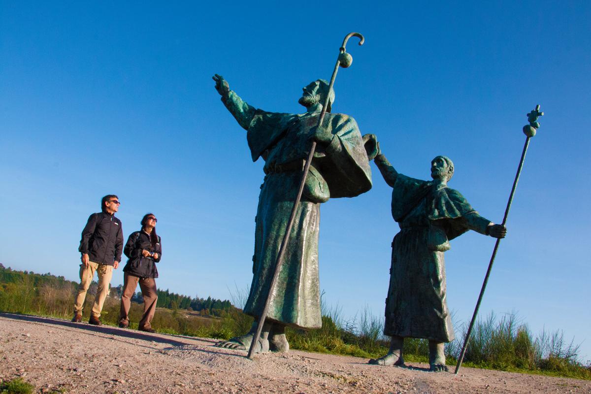 Santiago de Compostela - Monte do Gozo - Estatuas de los Peregrinos