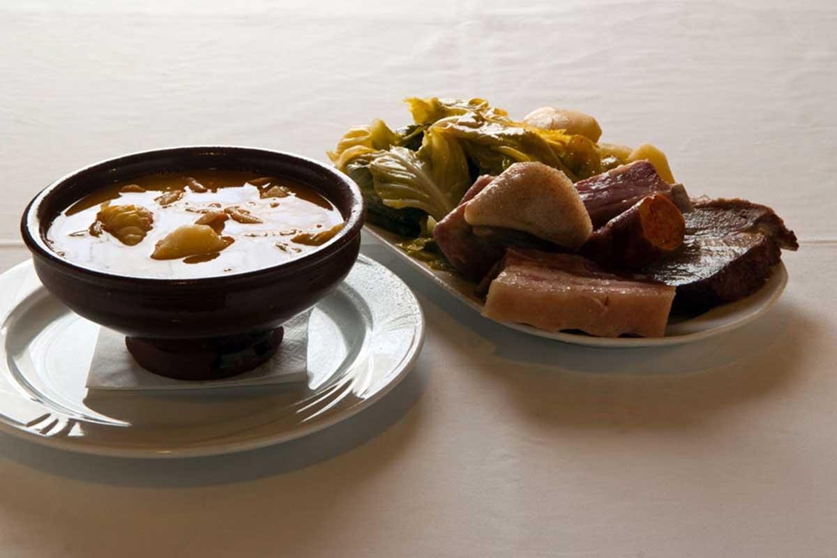 Camino de Santiago Gastronómico - Caldo Gallego - Cocido Gallego
