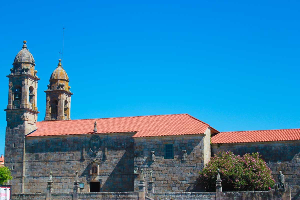 Rías Baixas - Cambados - Plaza de Fefiñanes - Iglesia de San Benito